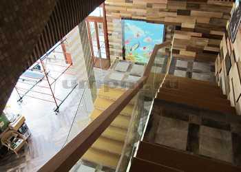 Цельностеклянные ограждения для лестниц фото