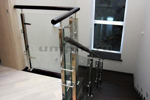 Комбинированные перила из нержавеющей стали и стекла  фото