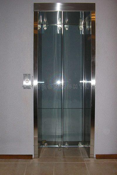 Облицовка лифтовых порталов полированной нержавеющей сталью