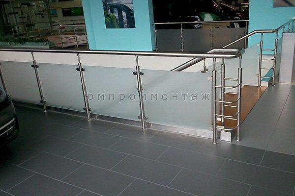 Лестничные ограждения из стекла и нержавейки