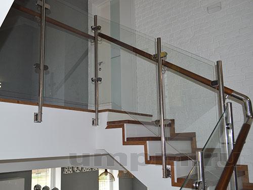 Перила из нержавеющей стали со стеклом и деревянным поручнем
