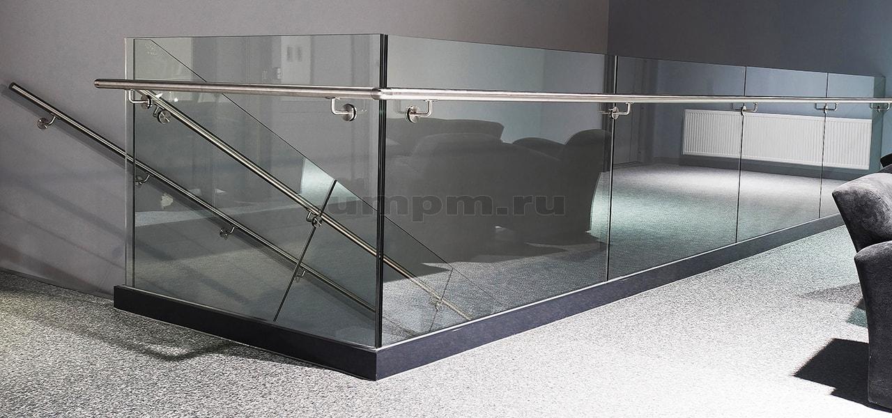 Стеклянные ограждения для лестниц на алюминиевом профиле