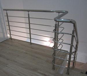 Перила из нержавеющей стали с ригелями для лестниц