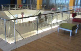 Ограждения из стекла и нержавеющей стали для террас
