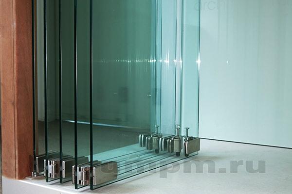 Трансформируемые стеклянные перегородки для зонирования