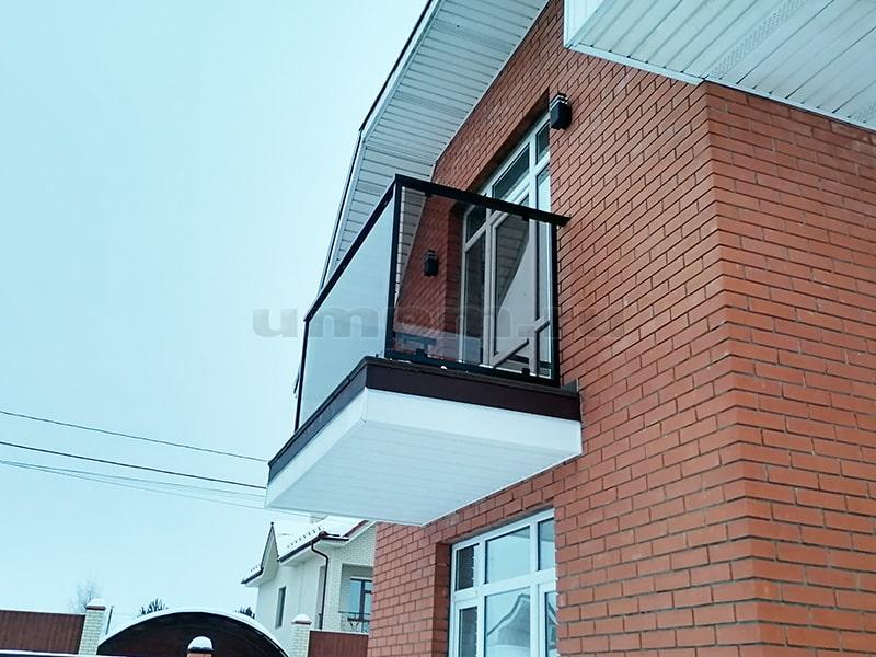 Ограждения балкона в комбинированном стиле Лофт