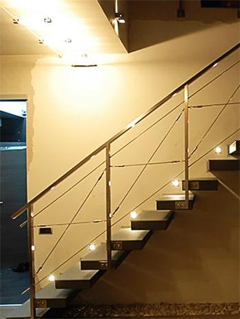 Консольная лестница в коттедж