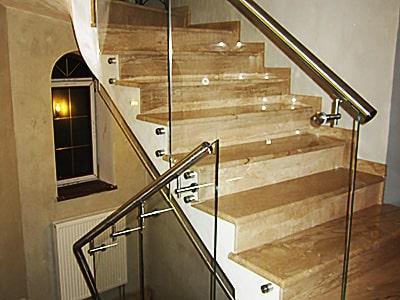 Стеклянные перила для лестниц на точках