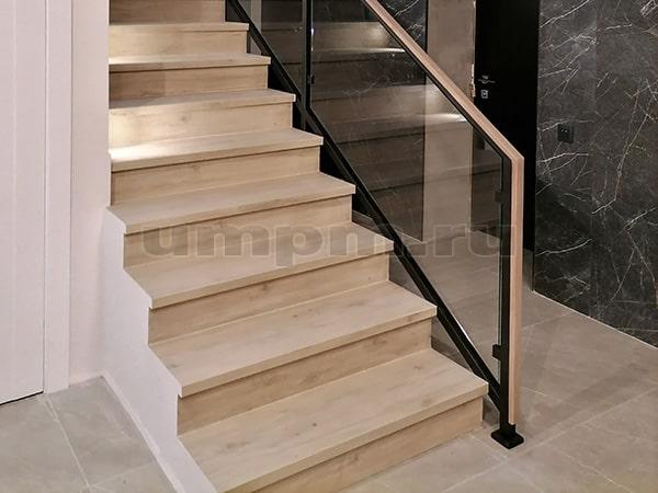 """Стеклянные ограждения для лестниц в стиле """"ЛОФТ"""""""